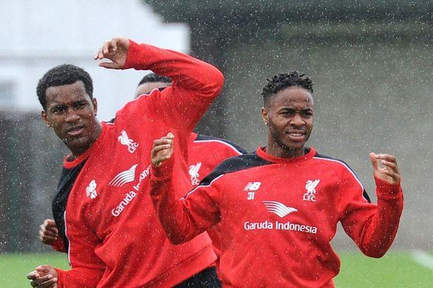Liverpool đồng ý bán, Sterling sẽ cùng Man City đến Việt Nam - ảnh 1