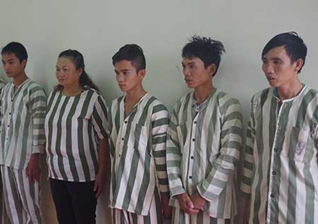 Khởi tố năm người đánh bạc ở Đắk Nông  - ảnh 1
