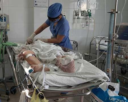 Vụ đâm xe ở cầu thuận phước (Đà nẵng): Hai nạn nhân vẫn nguy kịch  - ảnh 1