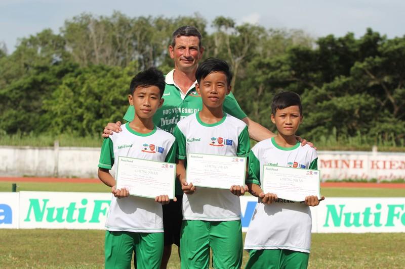 Học viện bóng đá NutiFood: 77 thí sinh vào vòng chung kết - ảnh 2