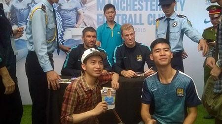 Cổ động viên Việt Nam háo hức chờ thần tượng Manchester City - ảnh 13