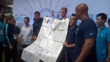 Cổ động viên Việt Nam háo hức chờ thần tượng Manchester City - ảnh 9