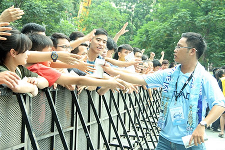 Cổ động viên Việt Nam háo hức chờ thần tượng Manchester City - ảnh 4