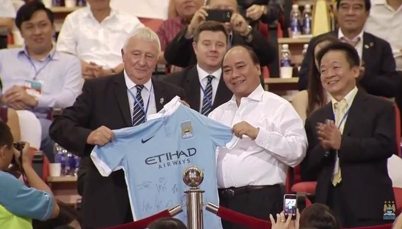 Việt Nam 1–8 Man City: Bài học quý từ một trận giao hữu - ảnh 16