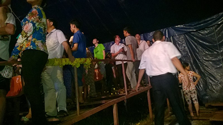 Thông tin tiếp vụ sập khán đài rạp xiếc khiến nhiều người bị thương - ảnh 2