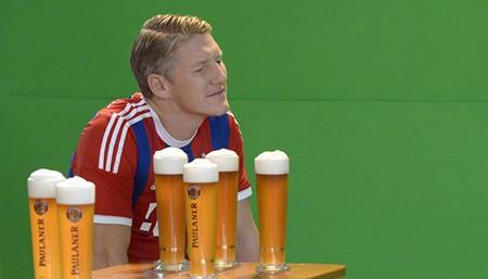 Sao M.U chi tiền 'tấn' mời cả đội sang Đức… uống bia - ảnh 1