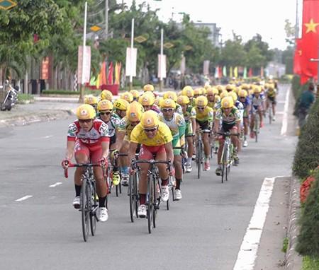 Giải xe đạp ĐBSCL 2015: Thanh Nhân đoạt áo vàng chung cuộc  - ảnh 1