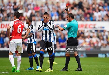 Newcastle 0-1 Arsenal: Chiến thắng may mắn - ảnh 1