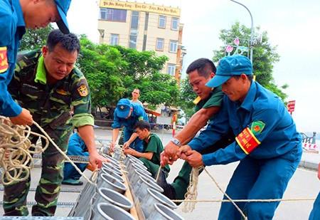 Cận cảnh giàn pháo hoa trước giờ khai hỏa mừng Quốc khánh 2/9 - ảnh 9
