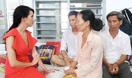 Phan Thị Mơ lần thứ hai tiếp sức cho 'Người cha bệnh tim nuôi con bị ung thư' - ảnh 1