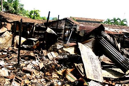 Cháy chợ Vân Thạch, thiệt hại hàng trăm triệu đồng - ảnh 2