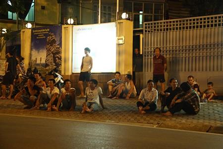 Người dân Thủ đô trắng đêm chờ đón đại lễ 2-9 - ảnh 25