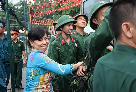 TP.HCM: Hơn 1.200 thanh niên tình nguyện nhập ngũ  - ảnh 25
