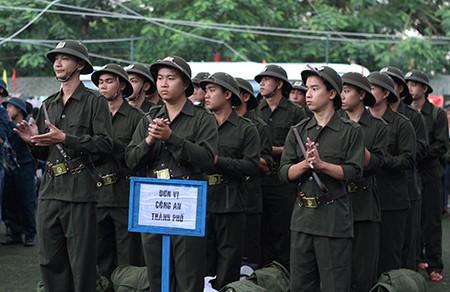 TP.HCM: Hơn 1.200 thanh niên tình nguyện nhập ngũ  - ảnh 20
