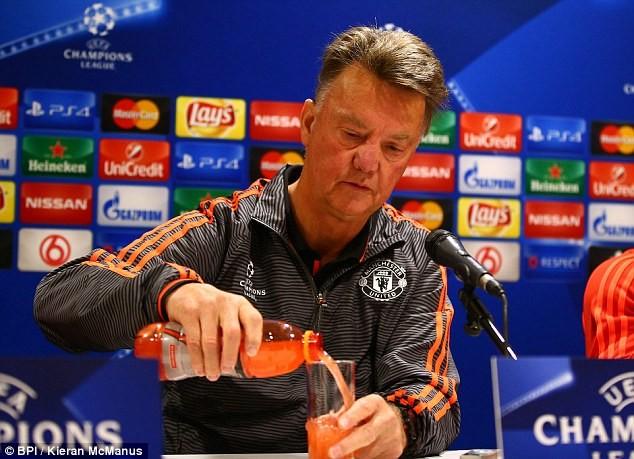 Chi 300 triệu bảng, Van Gaal vẫn không chắc M.U thắng Champions League - ảnh 1