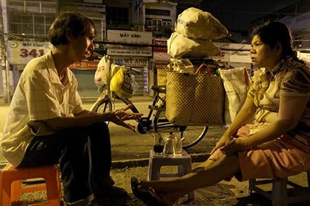 Uống cà phê vợt đêm mưa nghe Sài Gòn kể chuyện - ảnh 1