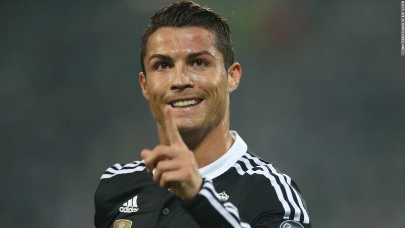 Ronaldo đạt cột mốc 500 bàn thắng - ảnh 1