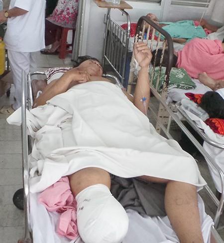 Vụ sập công trình tại Cần Thơ: Một nạn nhân bị cắt cụt chân - ảnh 1