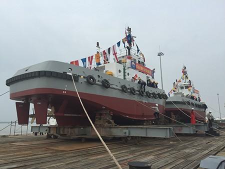 Hạ thủy 2 tàu kéo lai dắt hiện đại của Quân chủng Hải quân - ảnh 1