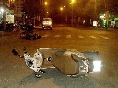 Nhậu say, vượt đèn đỏ, nam thanh niên gây tai nạn - ảnh 1