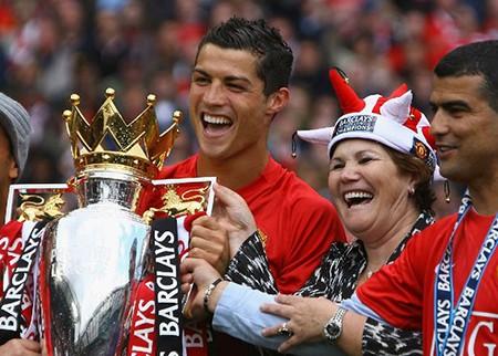 'Ước mơ của Ronaldo là được trở lại Anh khoác áo M.U' - ảnh 1