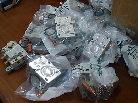 Công an chặn bắt 1.700 thiết bị bình nóng lạnh giả - ảnh 2