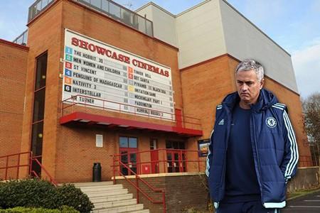 Mourinho lại bị cấm chỉ đạo vì vấn đề... trọng tài - ảnh 1