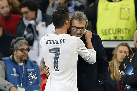 Ronaldo nói với HLV Blanc của PSG: 'Tôi thích làm việc cùng ông' - ảnh 1