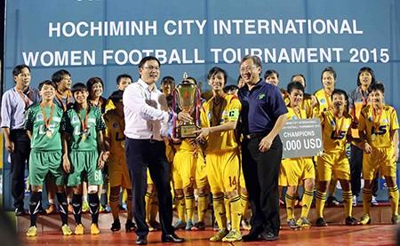 Đội nữ TP.HCM vô địch giải bóng đá quốc tế mở rộng - ảnh 11