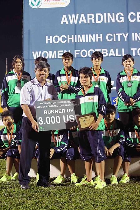Đội nữ TP.HCM vô địch giải bóng đá quốc tế mở rộng - ảnh 13