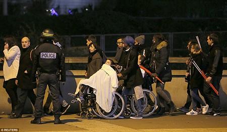 Khủng bố ở Paris: Cảnh sát đã biết trước nhưng vụ xả súng vẫn xảy ra? - ảnh 8