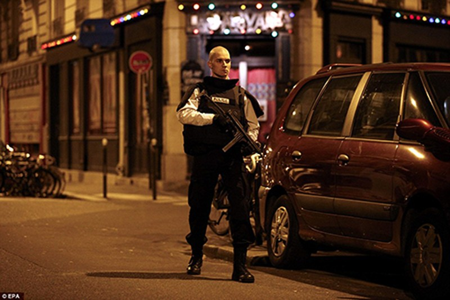 Khủng bố ở Paris: Cảnh sát đã biết trước nhưng vụ xả súng vẫn xảy ra? - ảnh 9
