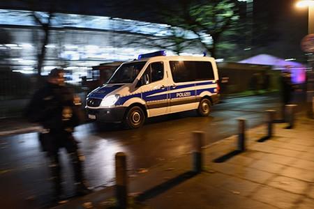 Chùm ảnh nước Đức báo động vì bị đe dọa khủng bố - ảnh 16