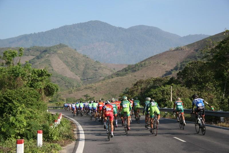Giải xe đạp Nam Kỳ Khởi Nghĩa 2015: Dưỡng sức cho chặng quyết định - ảnh 1