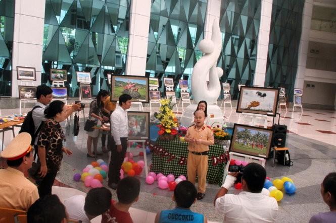 Cậu bé Dũng được tổ chức một ngày sinh nhật thật đặc biệt - Ảnh: Đoàn Cường