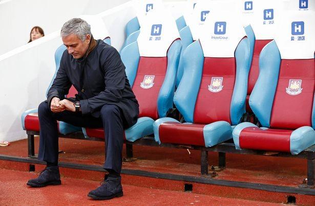 Mourinho thừa nhận không dám xin tiền ông chủ - ảnh 2