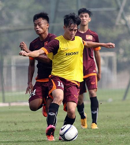 Buổi tập đầu tiên của U-23 Việt Nam: Công Phượng lập hat-trick - ảnh 2