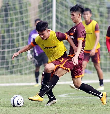 Buổi tập đầu tiên của U-23 Việt Nam: Công Phượng lập hat-trick - ảnh 3