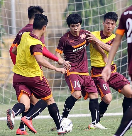 Buổi tập đầu tiên của U-23 Việt Nam: Công Phượng lập hat-trick - ảnh 5