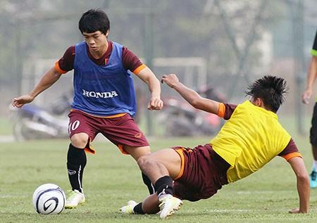 Buổi tập đầu tiên của U-23 Việt Nam: Công Phượng lập hat-trick - ảnh 6