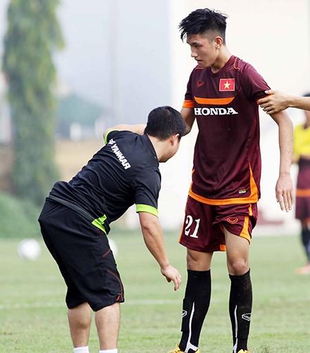 Buổi tập đầu tiên của U-23 Việt Nam: Công Phượng lập hat-trick - ảnh 9