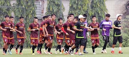 Buổi tập đầu tiên của U-23 Việt Nam: Công Phượng lập hat-trick - ảnh 1