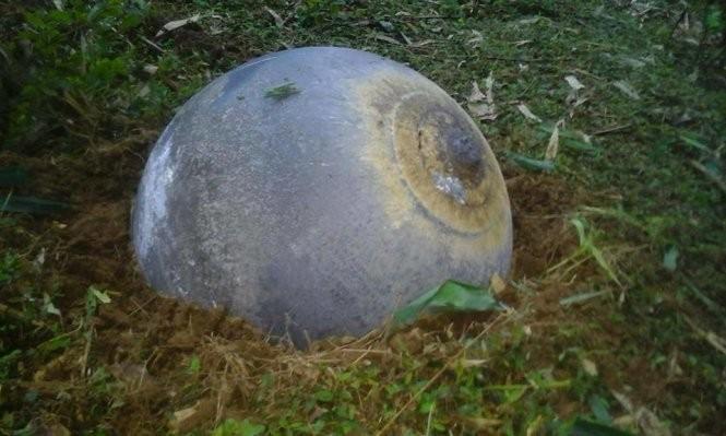 Vật thể lạ hình cầu rơi xuống một số tỉnh miền núi phía Bắc nước ta hôm 2-1