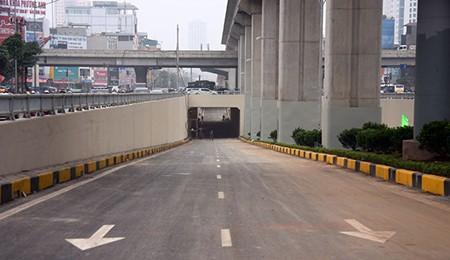 Cận cảnh hầm chui Thanh Xuân và Trung Hòa trước ngày thông xe - ảnh 9