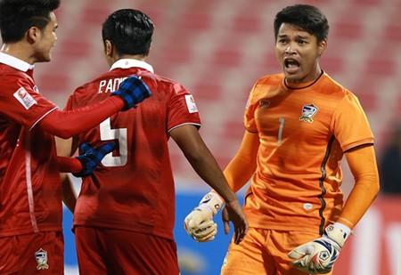 VCK U-23 châu Á: Thái Lan 'hút chết', Nhật, Hàn cùng thắng 'nhọc' - ảnh 1