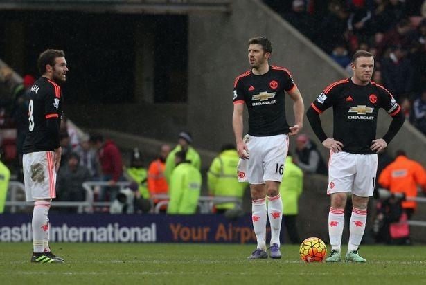 Đá quá dở, hàng loạt sao Man Utd bị giảm lương - ảnh 2