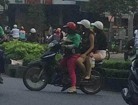 Bài 1: 'Chợ' mại dâm di động  lớn nhất Sài Gòn - ảnh 2