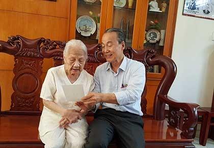 Nụ cười hiền của vợ cố luật sư Nguyễn Hữu Thọ - ảnh 1