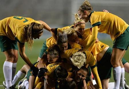Vòng loại bóng đá nữ Olympic Rio: Chủ nhà Nhật thua sốc - ảnh 1