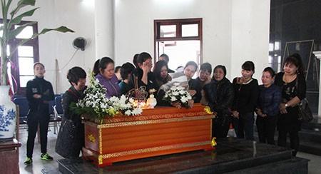 Nghẹn lòng đám tang tiễn biệt hai ông cháu bị xe Camry đâm - ảnh 4
